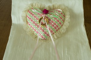 Ribbon wedding ring pillow